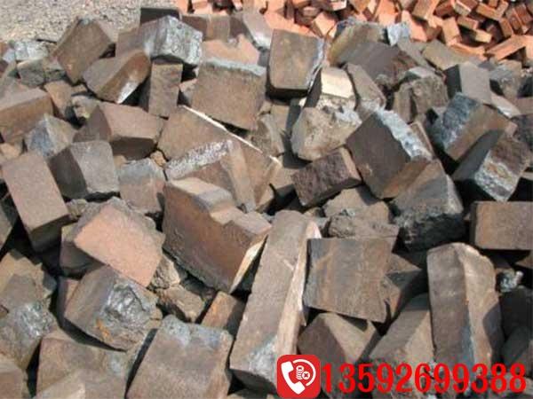 流动废砖头粉碎机多少钱,投资高不高